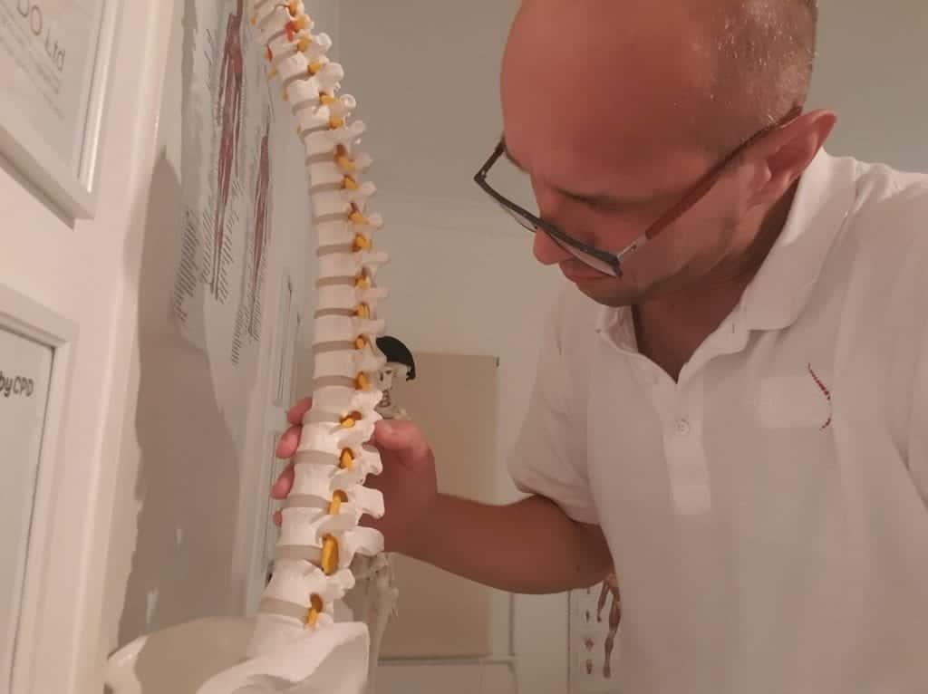ból pleców kręgi i stawy